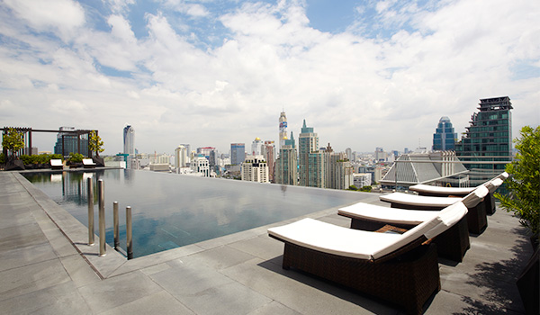 Image:Pool The Okura Prestige Bangkok