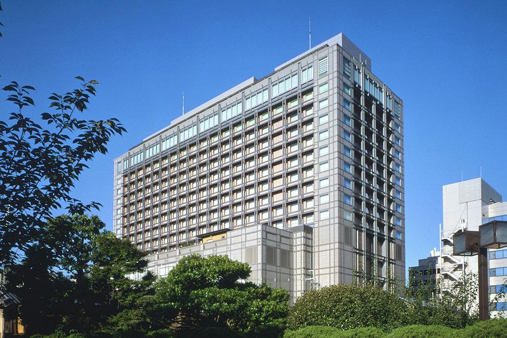 image:Exterior of Kyoto Hotel Okura