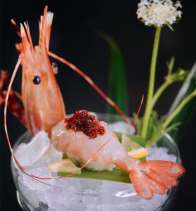 黑鱼籽牡丹虾寿司